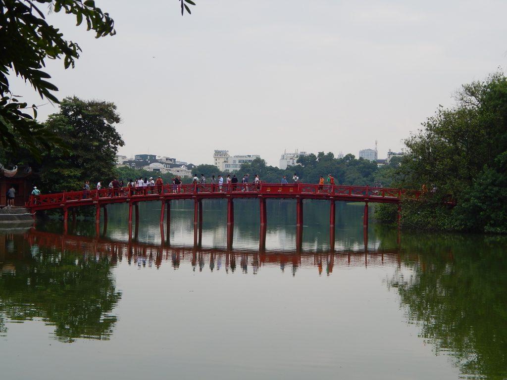 Hanoi - il ponte rosso della Pagoda Ngoc Son