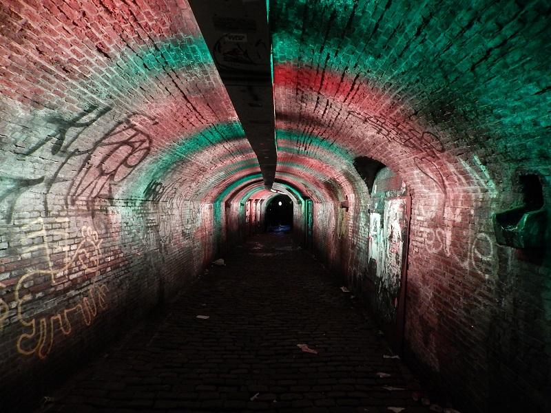 Trajectum Lumen - Il Ganzenmarkt Tunnel che cambia colore al passaggio