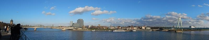 La vista sul fiume Reno dal Schokoladen Museum