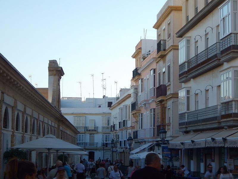 L'esterno del mercato coperto di Cadiz