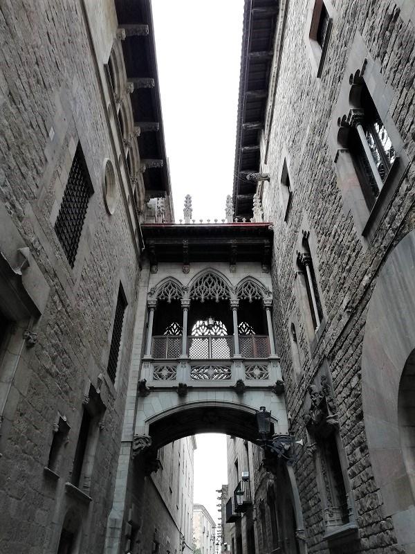 ponte del bisbe - barrio gotico