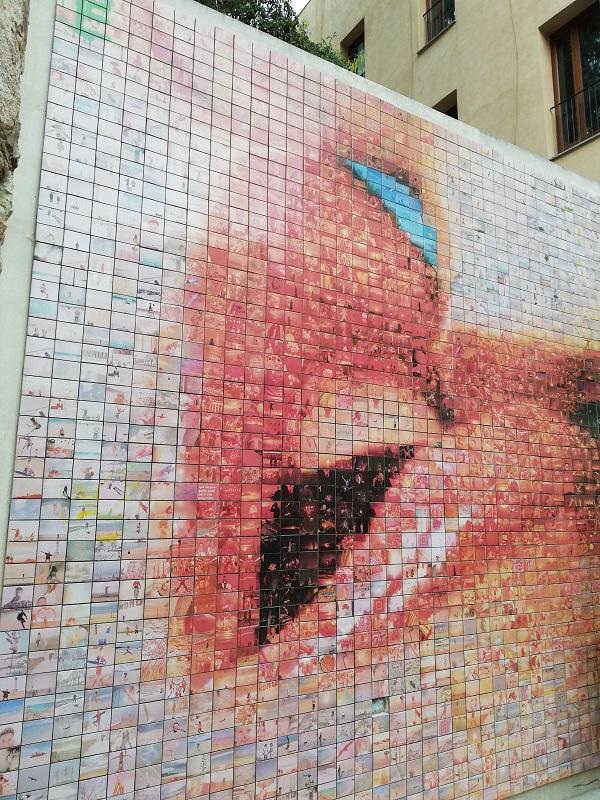 murales del beso - barrio gotico