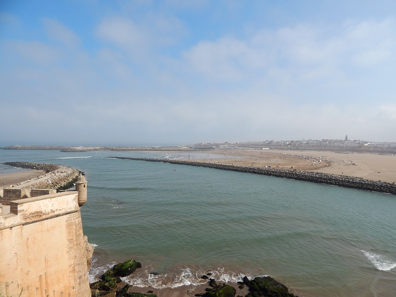 la vista sull'oceano dalla kasbah des oudayas