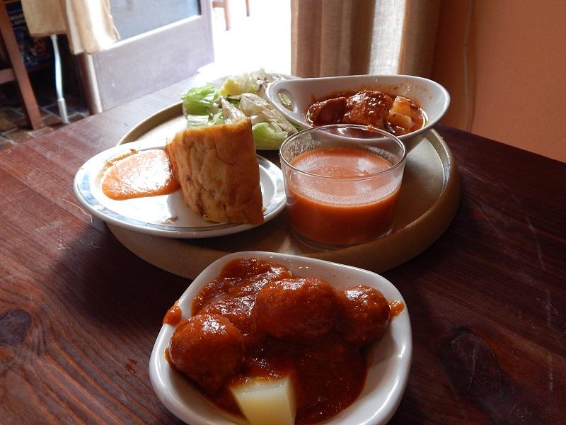 Mangiare in Andalusia - gazpacho, polpette e tortilla de patatas