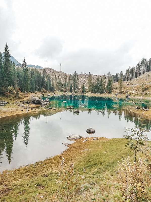 La leggenda del Lago di Carezza: ondina e lo stregone del Latemar